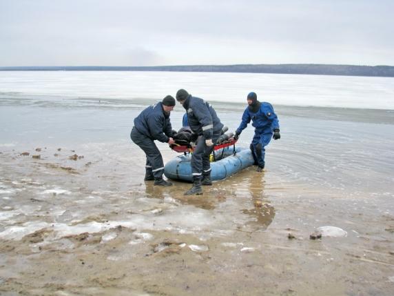 нашли рыбаков в сурском водохранилище