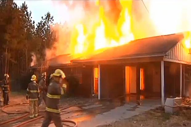 Разгневанная жительница Сердобска дотла сожгла дом соперницы