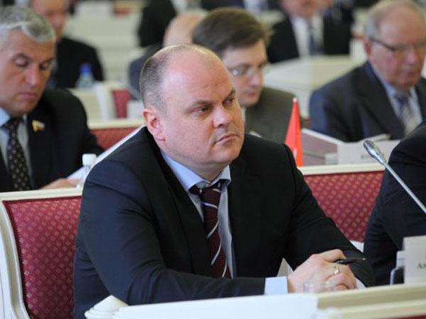 Пензенский депутат А. Дмитриенко перешел вСовфед