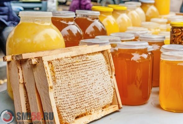 ВНеверкинском районе 87-летний пасечник отдал аферисту 580кг меда
