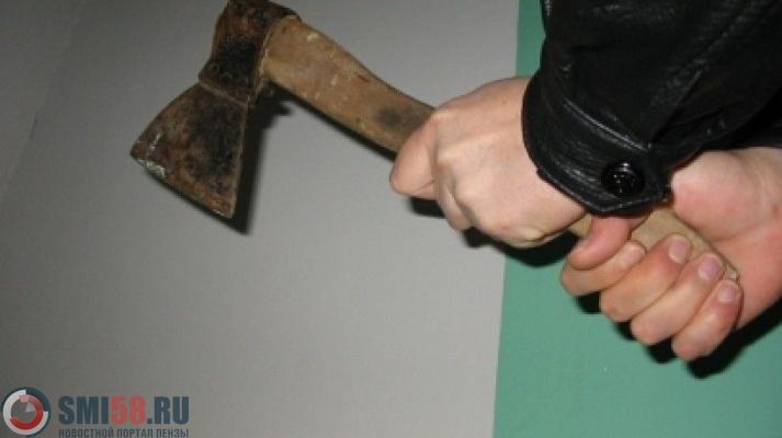 ВПензенской области мужчину, вонзившего топор вголову сожителю, отправили впсихбольницу