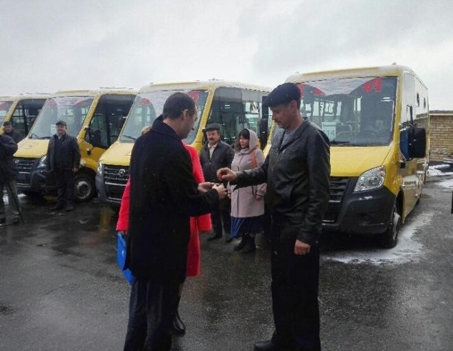 Вшколы Пензенской области направились 23 новых автобуса