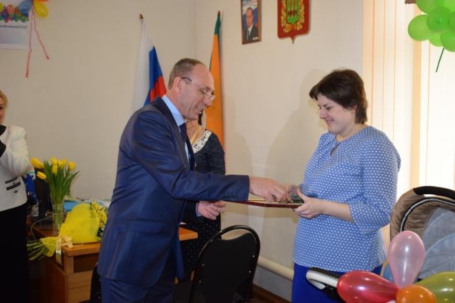 Семье стройняшками из с. Пыркино вручат сертификат нажилье