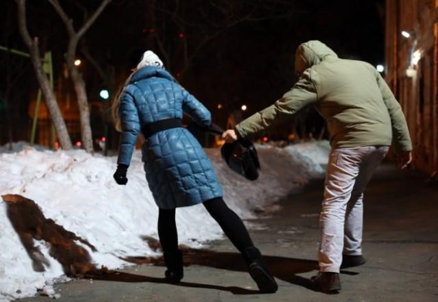 Задержаны молодые пензенцы, грабившие несовершеннолетних девушек