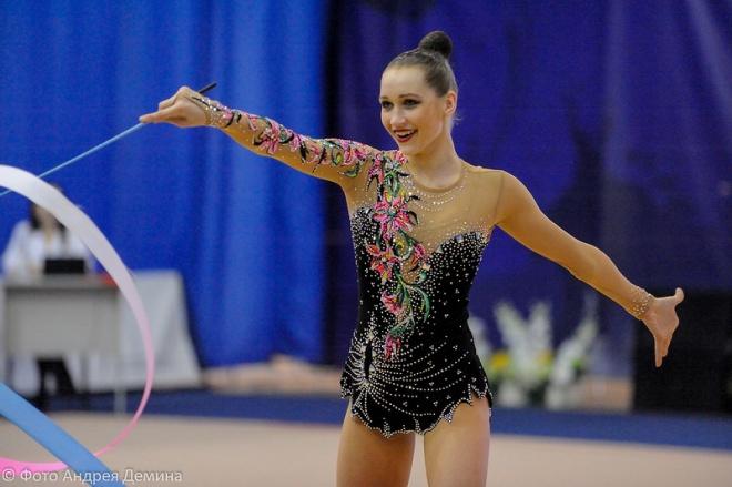 Бронзу начемпионате РФ похудожественной гимнастике завоевала Екатерина Веденеева изИркутска