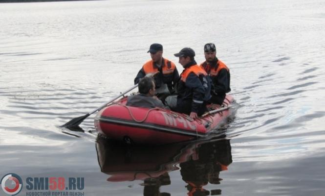 Заплутавшего втемноте наболоте рыбака cотрудники экстренных служб  отыскали  наберегу реки
