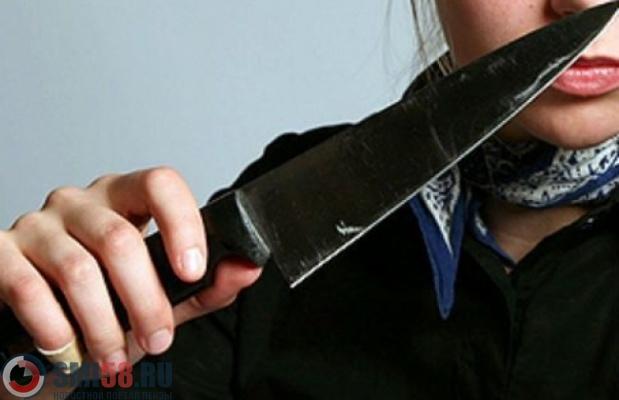 25-летняя пензячка призналась, что ударила сожителя ножом вголову