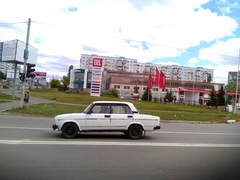 Занеделю в65 областях РФ увеличились цены набензин