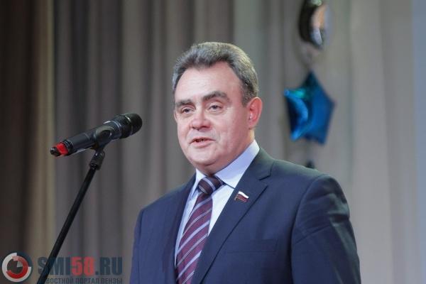 «Единая Россия» планирует выдвинуть Мельниченко надолжность члена Совета Федерации